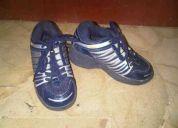 Zapato de niño de ruedas