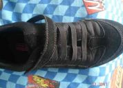 Zapatos negros smart fit con velcro