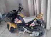 Vendo bonita moto para niño/a 4 a 7 años marca peg perego a bateria
