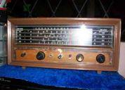 Radio antiguo marca hallicrafters, funcionando