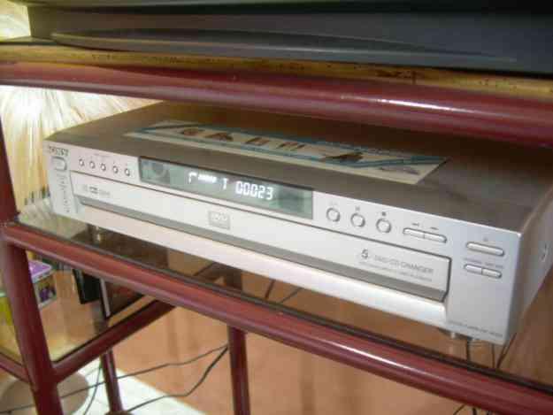 DVD SONY BANDEJA PARA 5 DVDS CON CAJA Y MANUALES VENDO O CAMBIO