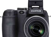 fuji finepix s2000 hd 10 megapixeles, zoom 15x, memoria 4gb, videos hd en 720p