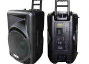 Vendo caja amplificada 15 pulgadas 1600w / pmpo / 320rms + pedestal en $ 250