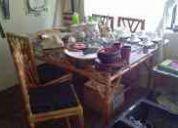 Precioso juego de mesa de comedor y 6 sillas, tipo ratan o bamboo