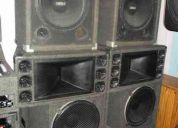 Cajas parlantes yamaha 400 watts 300 usd el par