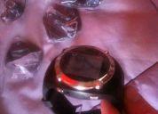 Reloj con camara espia, mp3, pantalla touch