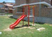 Resbaladera y otros juegos para parque infantil