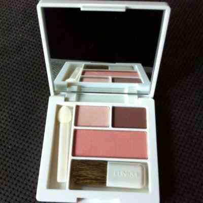 Cosmeticos Clinique: Estuche de sombras + Blush