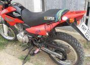 Vendo moto honda bros aÑo 2007