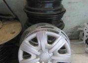 Vendo 4 aros de fierro con 4 tapacubos originales skoda fabia 2011 son de 14