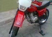 Oportunidad vendo linda moto enduro con papeles 2010 en 590 dolares tlf-084045527-3455-394