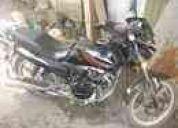 Se vende esta moto del  aÑo 2011 con papeles al dia