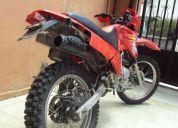 Vendo moto tipo cross
