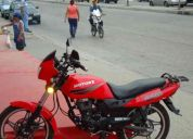 Vendo moto motor 1 como nueva con 900 kilometros de recorrido