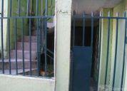Casa de 3 pisos un mini departamento