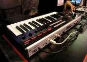 Sintetizador y vocoder  korg r3