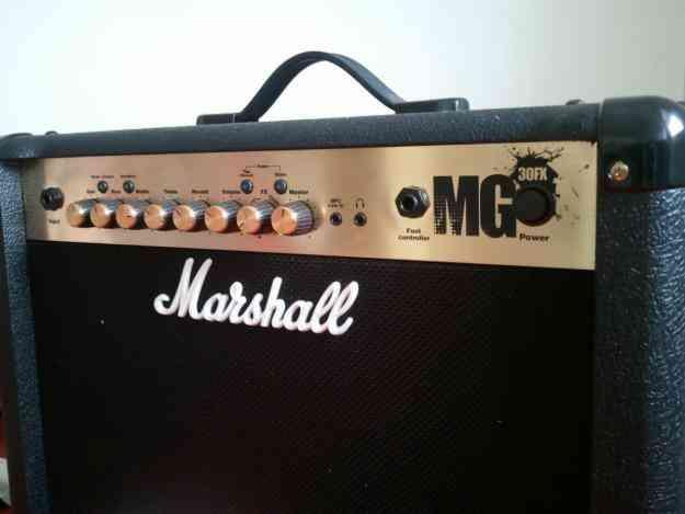 Amplificador Marshall DFX 30 watts, de oportunidad!!