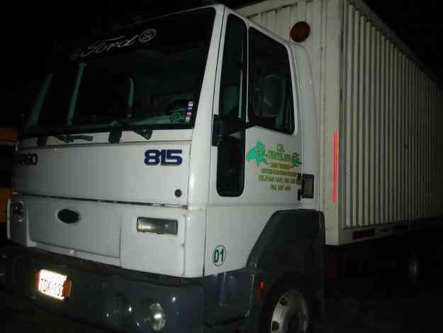 VENDO CAMION FORD CARGO 815 DE 5 TONELADAS