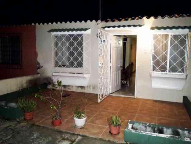 Huancavilca Norte Bonita Villa Planta Baja Guayaquil