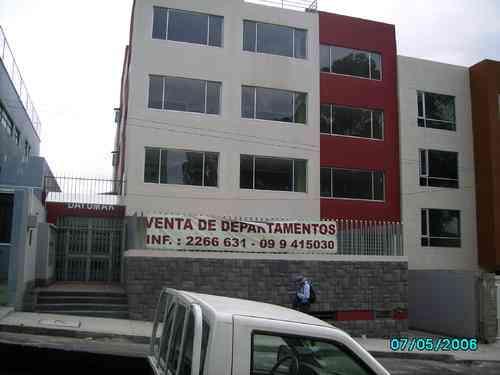 TERRENO DE VENTA EN EL CENTRO NORTE DE QUITO FLORESTA CITAS AL 33