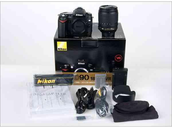 Nikon D90 cámara digital con lente 18-135mm ... $ 520
