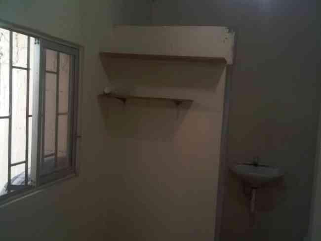 alquilo habitación pequeña para una sola persona