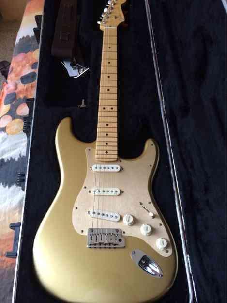 Fender strat american deluxe dorada edicion limitada nueva