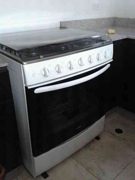 Cocina mabe 6 quemadores piloto autom tico grill quito for Cocina 6 quemadores