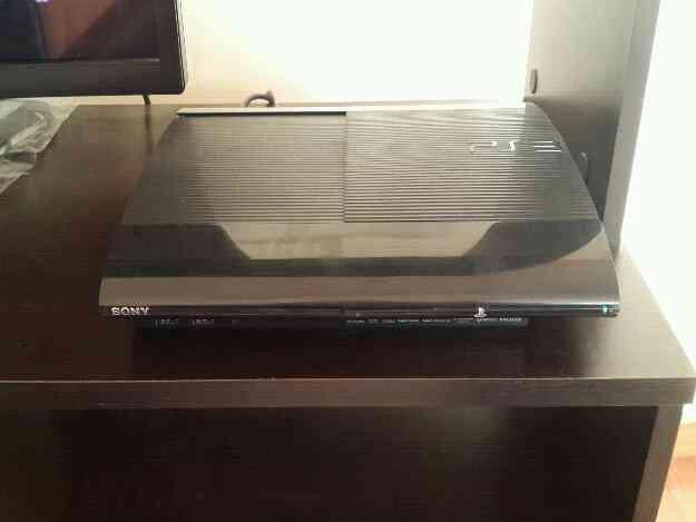 PS3 ULTRA SLIM 250 gb