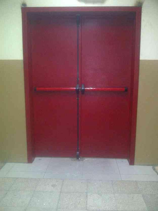 Puertas contra incendios simple resistentes al fuego de for Puertas contra incendios