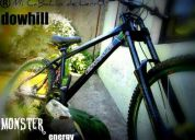 Bicicleta downhill tipo monster energy