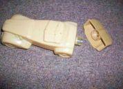 Antigua botella tipo carro que fue de perfume avon