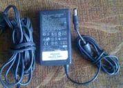 Cargador compaq original de 19 voltios 3.16 amp.