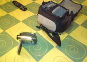 Vendo video camara sony handycam de 8 mm, casi nueva, poco uso. en $250,00 fijos.
