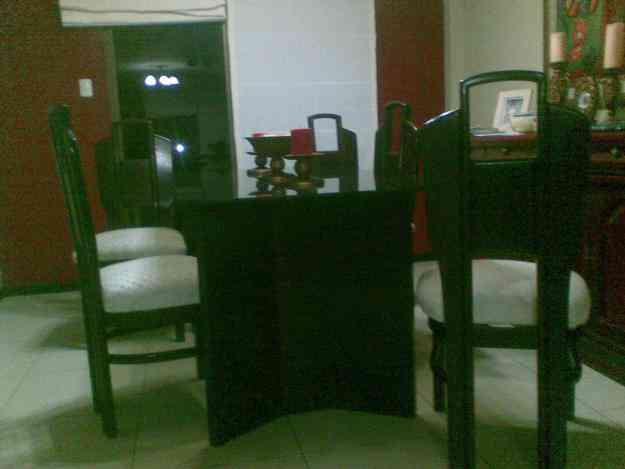 Vendo juego de comedor 6 sillas guayaquil hogar for Vendo muebles jardin