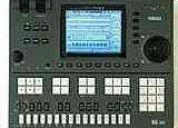 Con un secuenciador qy700 yamaha ya no dependeras de otros musicos