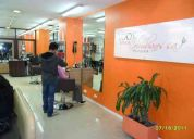 De oferta se vende lujoza peluqueria con buena clientela