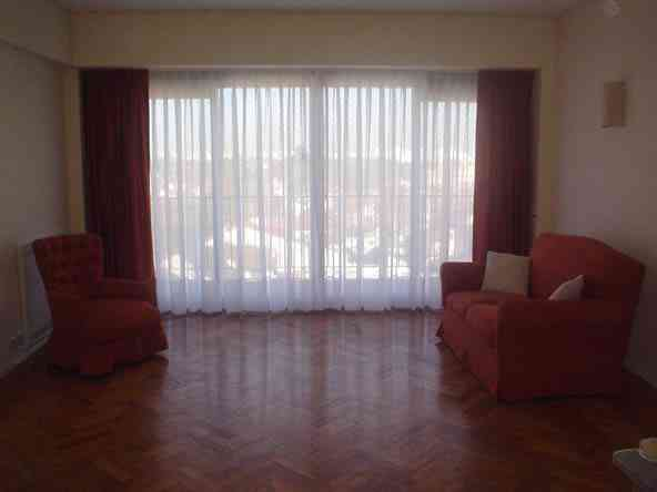 Modelos de cortinas romanas persianas enrollables dyc for Cortinas para dormitorio quito
