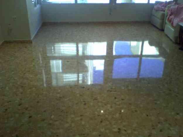 Pulido de piso marmol travertino baldosa granito for Precio marmol travertino para exterior