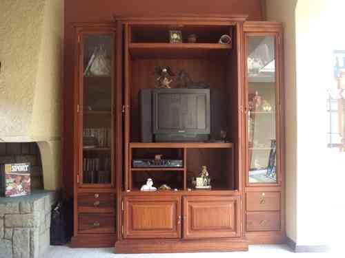 Modular de madera para television cuenca hogar for Muebles de madera para tv