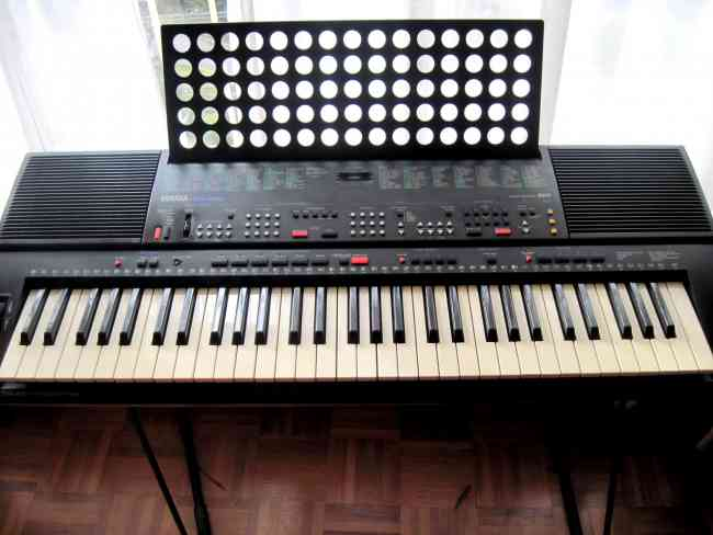 vendo sintetizador yamaha psr 400 ba os instrumentos. Black Bedroom Furniture Sets. Home Design Ideas
