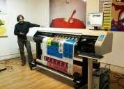 Operador de plotter de impresión y de corte