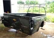 Se vende dos baldes dimax del 2004 al 2013, furgon usado de 4,40