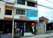 Casa de 2 departamentos y local comercial en totoracocha precio: 173.000 neg