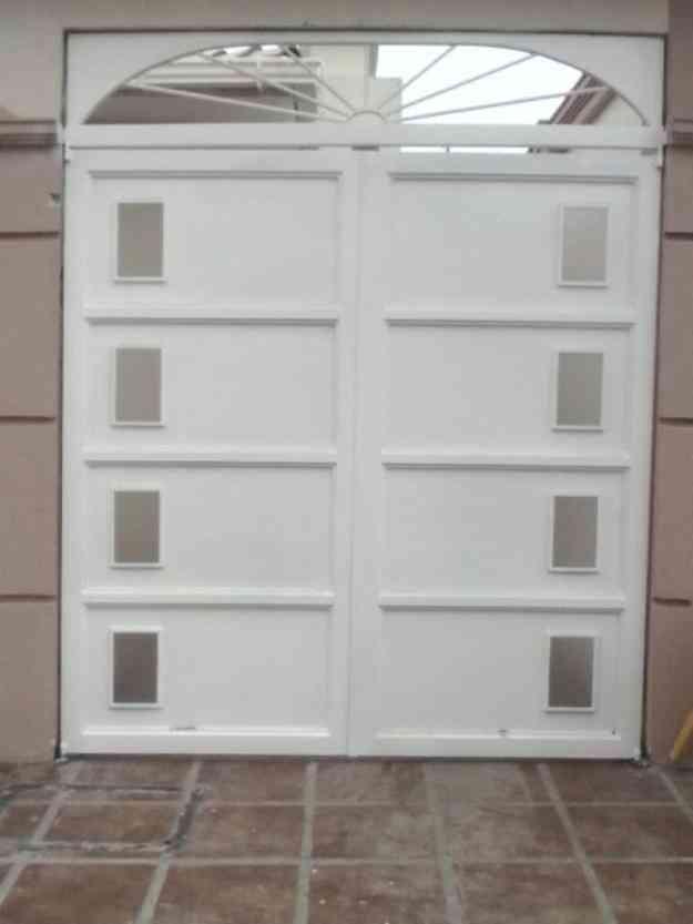 Puertas de garaje guayaquil hogar jardin muebles for Muebles para garaje