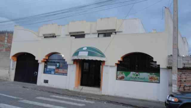 Vendo casa amplia en Otavalo