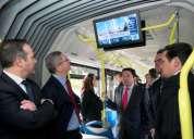 Transmision de su publicidad en pantallas dentro de los buses