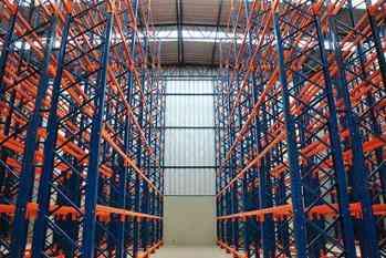 Soluciones de almacenamiento para bodegas y almacenes